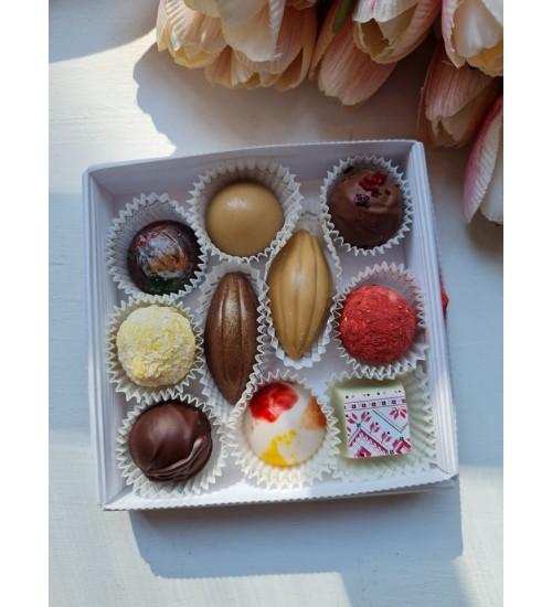 Käsitööna valminud šokolaadikommid