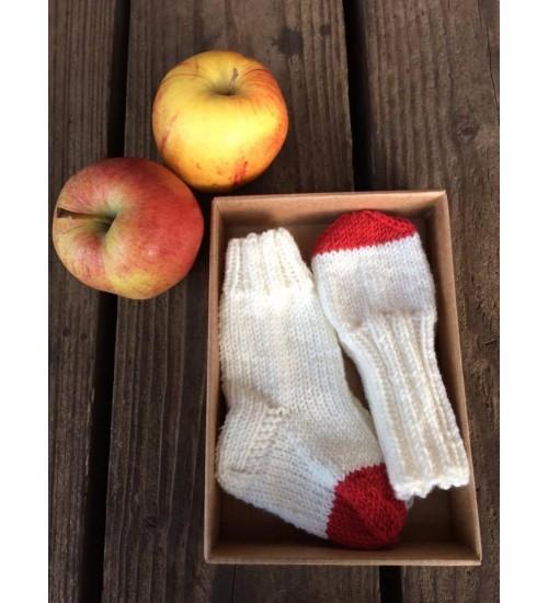 Sokkide ja kinnaste komplekt punane