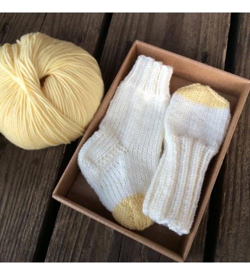 Sokkide ja kinnaste komplekt kollane