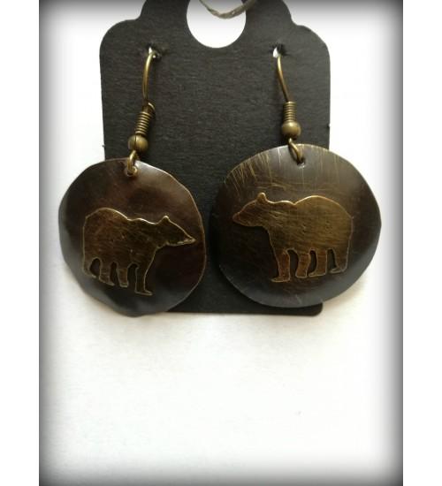 Pooliku kera kujulised karuga kõrvarõngad