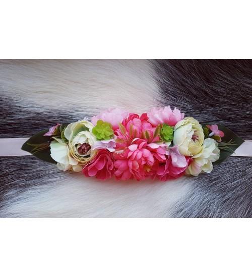 ca0f31b8145 Erkroosade lilledega ehisvöö/peapael