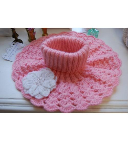 Käsitsi kootud ja heegeldatud roosat värvi laste kaelus