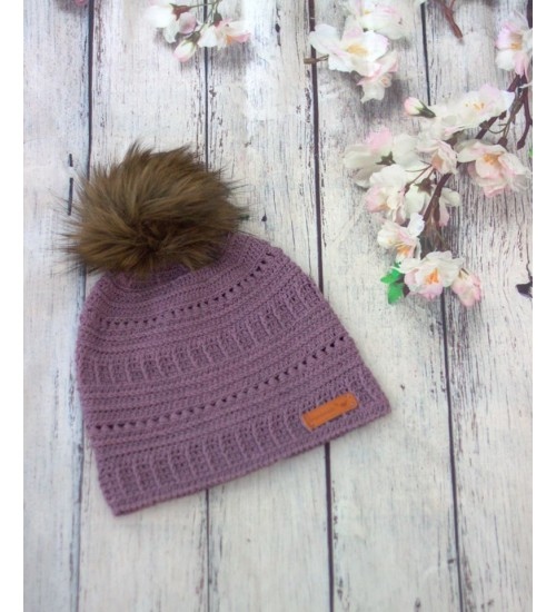 Talviselt soe meriinovillast heegeldatud lilla müts