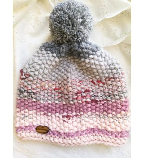 Roosades ja hallides toonides tutimüts