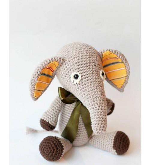 Heegeldatud elevant muhu triibuga