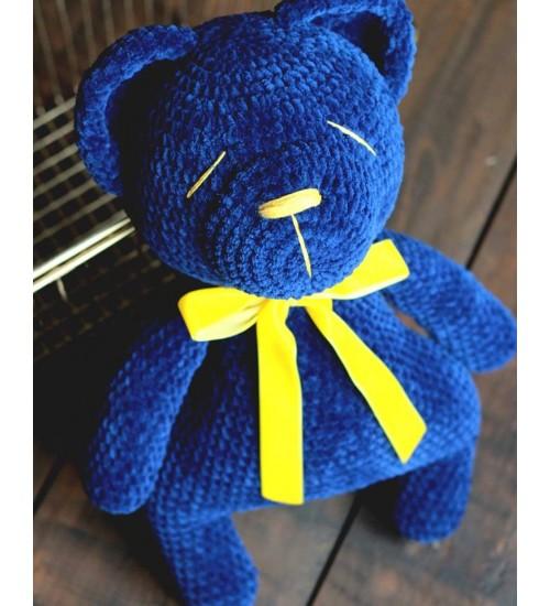 Suur ja pehme heegeldatud sinine karu