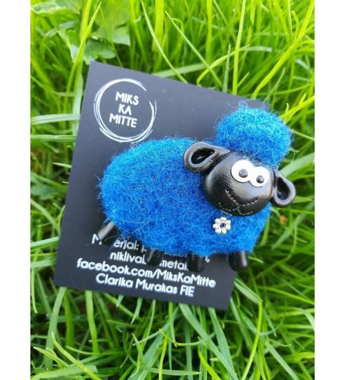 Sõlega ja sinist värvi lambapross