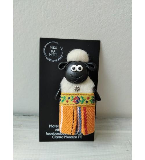 Rahvuslik lambapross Muhu triibuga seelikus