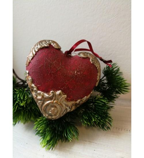 Südamekujuline jõuluehe ornamentidega, punane