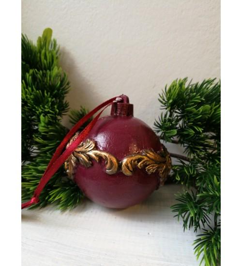 Jõulukuul  ornamentidega väiksem, punane