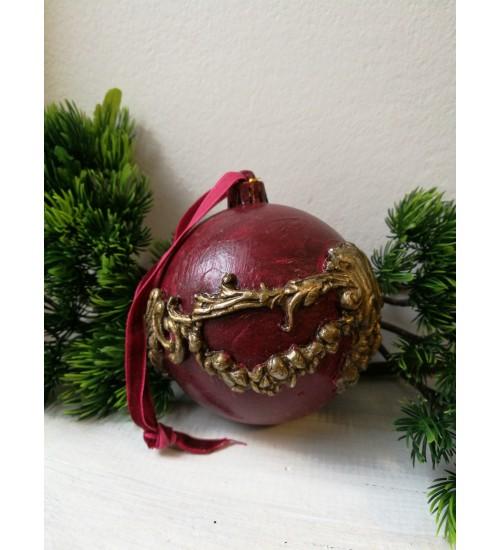 Jõulukuul Ornamentitega, Punane