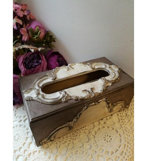 Ornamentidega elegantne salvrätikarp