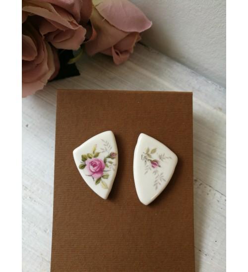 Portselanist kõrvarõngad roosidega