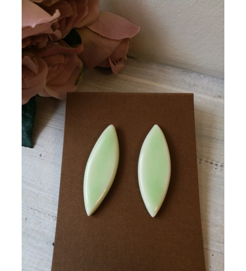 Portselanist piklikud kõrvarõngad, pastelne roheline