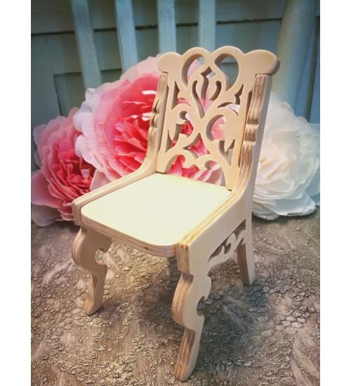 Nikerdustega tool nukule, nukumööbel