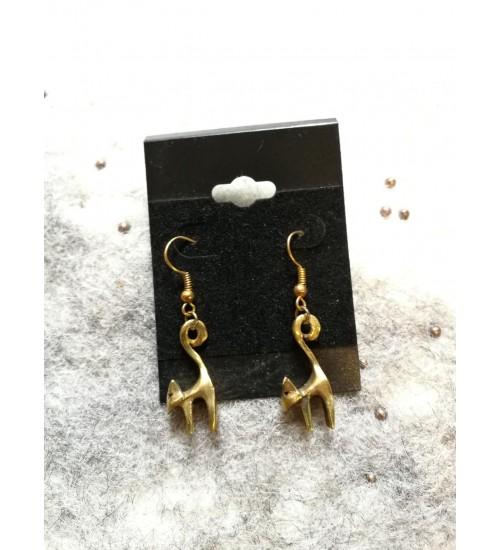 Kuldset värvi kassi kõrvarõngad