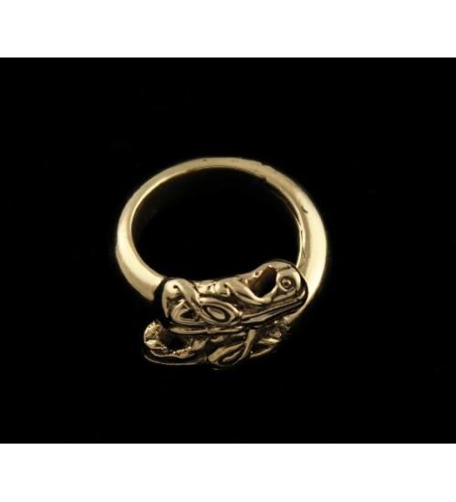 Väiksem draakonipeadega sõrmus