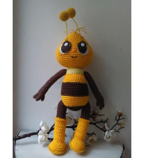 Heegeldatud suur mesilane Mumm